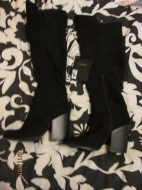 BLACK KNEE HIGH BOOTS SIZE 5 FROM FOREVER 21 PRICE TAG STILL ON £35