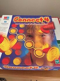 Connect 4 Board Game ** Used **