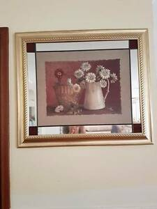 Lovely Floral/Mirror Picture Elderslie Camden Area Preview