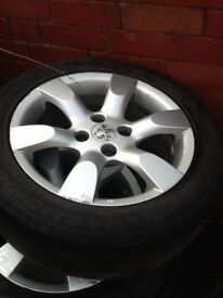 Alloy rims with tyres, full set, quick sale.