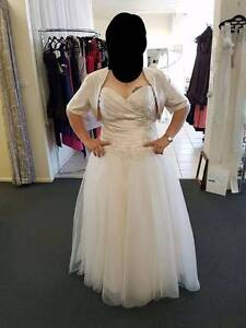 Beautiful champagne wedding dress Vincent Townsville City Preview