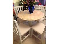 lovely 3ft round table and x4 chairs