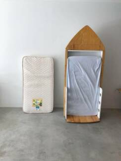 Baby boat bed design with matresses