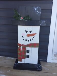 Decorative wood snowman