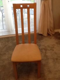 Light oak dining room table and 6 matching chairs fo