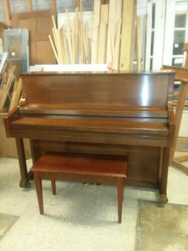 KIMBALL UP RIGHT PIANO