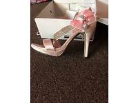 Beautiful NEW pink heels size 6