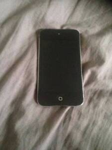 Black Apple Ipod Touch 4th gen, 8gb Storage (includes case) Surrey Hills Boroondara Area Preview