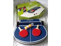 Folding compact table tennis set like new