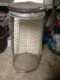 Large mesh waste bin