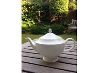 Wedgwood Signet Platinum bone china teapoT
