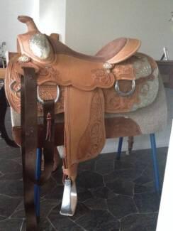 """Western show saddle 16"""""""