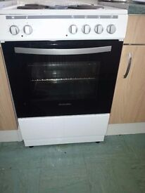 two weeks old MONTPELLIER COOKER model mse60w