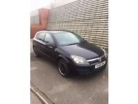 2006 1.6 black Vauxhall Astra 12 months MOT, 110k, tinted windows, 2 owners!