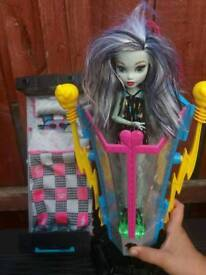Monster High Hydration Station & Bed