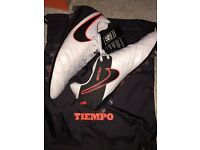 Nike Tiempo Legend FG/AG UK7.5 Brand New In Box MAGISTA HYPERVENOM SUPERFLY VAPOUR PREDATOR