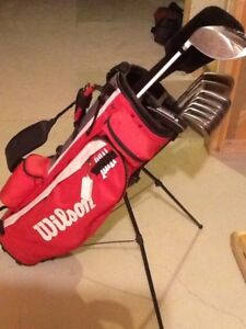 Right hand golf clubs. Mens