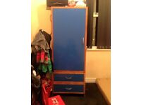Lovely wardrobe in good condition few scratches here and there nothing major