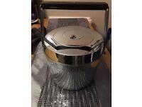 Retro Metal Ice Bucket With Hinged Lid Handle