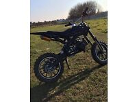 50cc mini dirt bike (needs new pullstart)