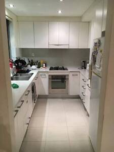 Room in Dee Why available Dee Why Manly Area Preview