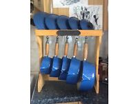 Blue - Le Cruset Pots,Set of 5 on Wooden Stand