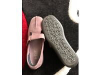 Ladies Size 5 hotter shoes
