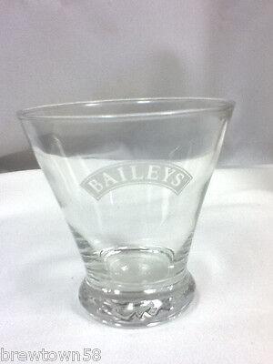 Bailey's bar glass drinking glasses 1 Baileys cocktail liqueur Irish Cream EU2