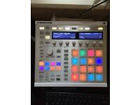 Native Instruments Maschine Mk2 (silver) - AS NEW