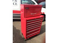 Clark roll cab, 26inch wide, several lockable draws, hardly used