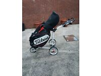 *Titleist Tour Bag 10.5 With Trolley*