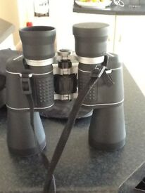 Praktica 10/50 binoculars hardly used new condition just has 1 of the lense covers missing