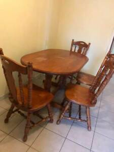 DINING TABLE WITH CHAIRS WITH SOLID TIMBER