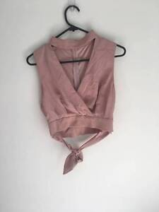 privvy pink top Soldiers Point Port Stephens Area Preview