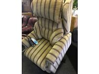 Electric riser recliner massage chair can deliver