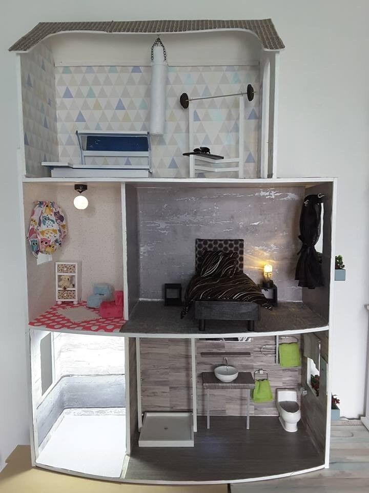 Barbie Doll House Wit Handmade Furniture Working Lights Etc In