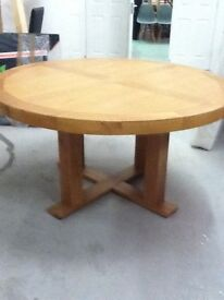 OAK ROUND TABLE