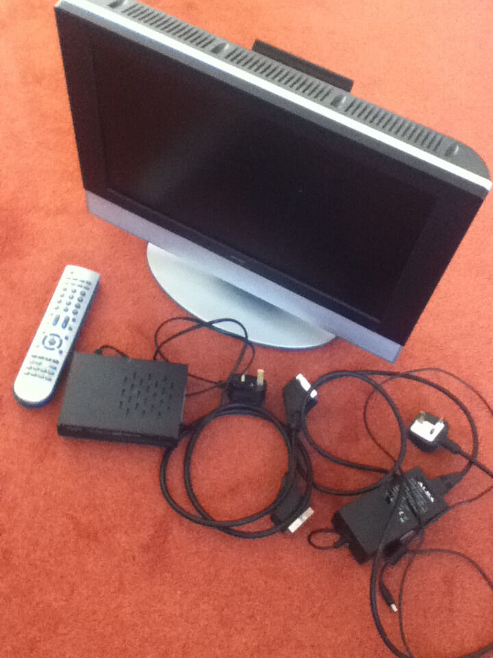 "Alba 19"" TV and DVD combo plus Alba Freeview boxin Fairmilehead, EdinburghGumtree - Alba 19"" TV and DVD combo plus Alba Freeview box, including power supply and scart cable"