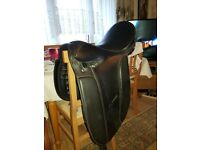 leather horse saddle make is northumbrian range size 17 inch in vgc dagenham essex