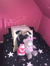 Pink single bed