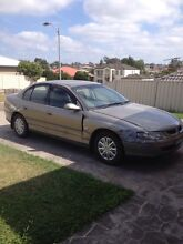 VT Commodore ( DAMAGED , UNREGISTERED ) Aberglasslyn Maitland Area Preview
