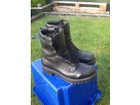 gortex boots size 9/ 9 1/2
