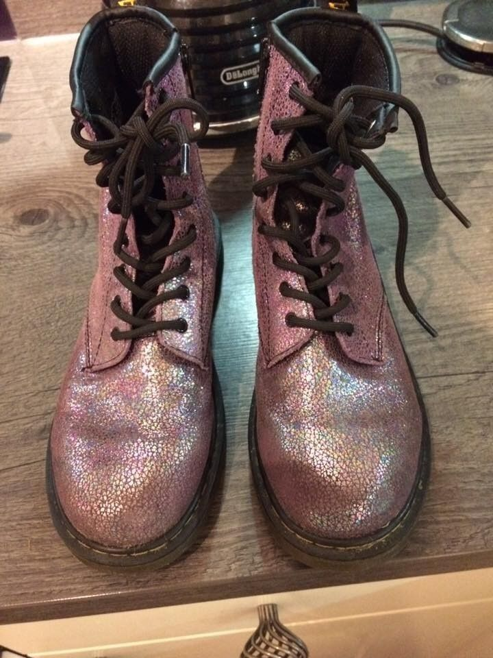 DR MARTENS GIRLS/ WOMENS SPARKLY BOOTS SIZE 4 EXCELLENT CONDITION