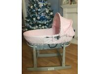 Immaculate rocking Moses basket Claire de lune