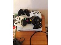 Xbox 360 white 5 controllers 17 games