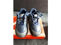 Toddler size 5.5 air max trainers