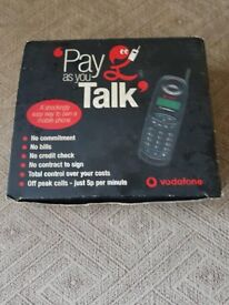 classic 1990s motorolla a130 vodafone pay as you talk mobile phone spares repairs