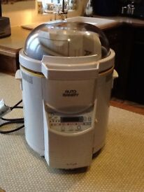 Bread maker for sale used a few times only fantastic condition