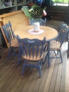 Refurbished dining set Currumbin Valley Gold Coast South Preview