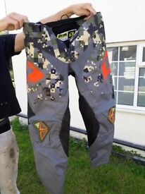 OneIndustries Atom Digital Camo Trousers Motocross size 32